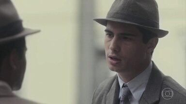 Carlos comenta com Marcelo sua desconfiança com Mabel - Marcelo dá razão ao amigo e acha muito estranho o comportamento dela