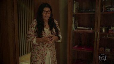 Lurdes afirma que Vitória precisa contar a Davi sobre sua gravidez - Advogada diz para a babá que passou apenas uma noite com o ambientalista e que pensa em criar o filho sozinha