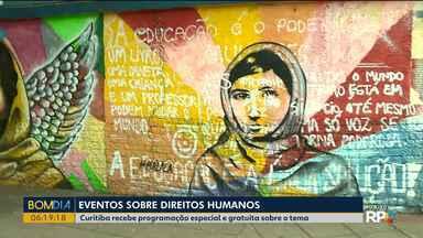 Curitiba sedia evento sobre Direitos Humanos - São peças teatrais, rodas de conversa, exposições fotográficas com o objetivo de construir uma sociedade com menos desigualdade e preconceito.