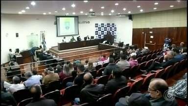 Câmara de Itapeva abre Comissão Processante contra prefeito afastado - A Câmara de Itapeva (SP) abriu uma Comissão Processante contra o prefeito afastado Luiz Cavani (PSDB).