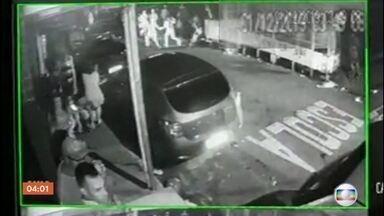 Imagens mostram a ação da PM em Paraisópolis - Na madrugada de domingo (1), nove jovens morreram. As imagens são da câmera de segurança da rua que é o principal endereço do baile funk.