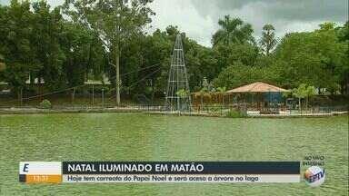 Árvore de Natal é inaugurada nesta quinta-feira em Matão - Decoração natalina fica no Lago do Parque Ecológico Municipal.