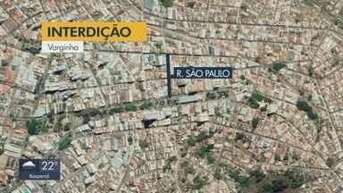 Trânsito é interditado em ruas de Varginha e Pouso Alegre - Trânsito é interditado em ruas de Varginha e Pouso Alegre