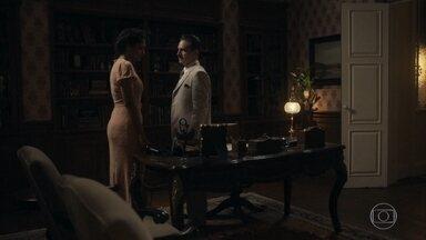 João flagra Shirley tentando falar com Afonso - Ele se descontrola e diz que a vida de Inês não é mais da conta deles