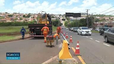Acessos da Avenida Brasília para o viaduto da Rio Branco são bloqueados - Interdição atinge quem vem da Zona Norte de Londrina e precisa entrar na Av. Brasília.