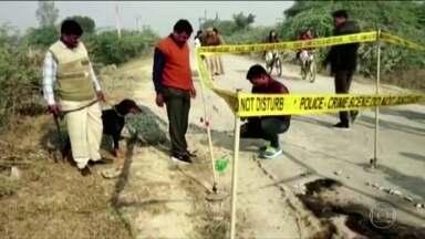 Morre mulher de 23 anos vítima de estupro na Índia - Jovem estava a caminho de uma audiência sobre o caso quando grupo de homens jogaram querosene no corpo dela e atearam fogo.