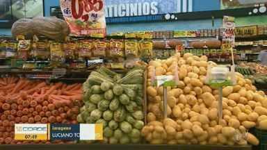 'Compra do Mês': legumes estão mais baratos e aliviam o bolso do consumidor - Confira a lista de ítens que tiveram redução no preço.