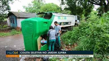 Caminhão da coleta seletiva começa a recolher recicláveis no Jardim Jupira - Além recolher em frente as casas, seis pontos foram instalados no bairro.