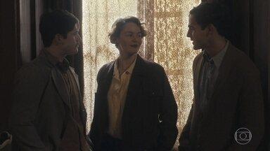Alfredo e Adelaide se encontram na reunião sobre política - Eles ficam surpresos com a coincidência
