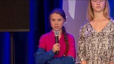 Bolsonaro chama ativista Greta Thunberg de pirralha, e ela responde - Jovem sueca, de 16 anos, defensora do meio ambiente, passou a se apresentar como 'pirralha' na capa de sua rede social.