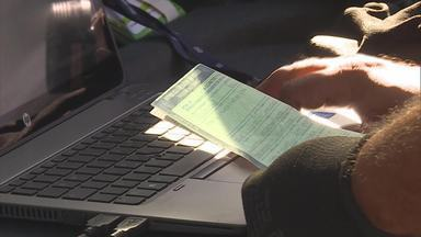 CRLV digital para celular começa a valer em Minas Gerais - A versão digital do Certificado de Registro e Licenciamento de Veículo, começa a valer hoje. Versão eletrônica tem a mesma função da tradicional de papel.