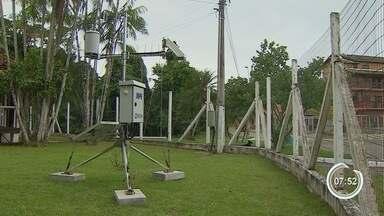 Pesquisadores do Inpe instalam sensores para monitorar raios no litoral - Moradores e turistas serão avisados pelo celular em caso de fortes temporais.