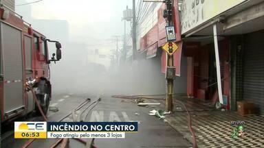 Incêndio atinge lojas no Centro de Fortaleza - Saiba mais em g1.com.br/ce