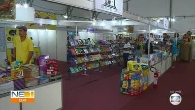 Olinda recebe festival de literatura - Evento oferece palestras, lançamentos e venda de livros na programação.