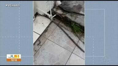 Telespectador registra vazamento de água na rua Curuçá, em Belém - Telespectador registra vazamento de água na rua Curuçá, em Belém