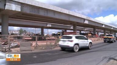 Obras de viaduto altera trânsito na parte alta de Maceió - Motoristas que transitam pela região devem ficar atentos.