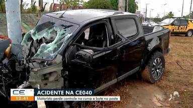 Motorista perde controle do carro e bate em poste na CE-040 - Saiba mais no g1.com.br/ce