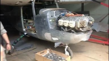 Polícia prende 17 pessoas suspeitas de fazer manutenção clandestina em aeronaves em Goiás - Suspeita é de que aviões eram usados no tráfico de drogas.