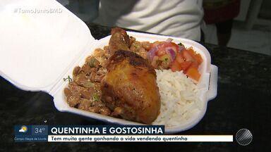Baianos garantem renda extra vendendo 'quentinha' nas ruas de Salvador - Marmitas custam entre R$ 7 e R$ 5.