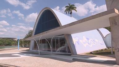 Igreja São Francisco de Assis é patrimônio com importância histórica e arquitetônica - Conhecida como igrejinha da Pampulha, por conta da região de Belo Horizonte em que está localizada, o projeto de Niemeyer passou por reformas para preservar sua história.