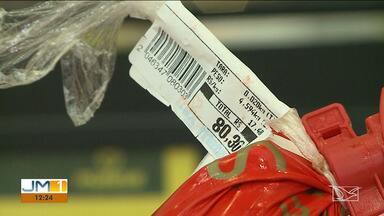 Pesquisar preços e substituir itens são alternativas de economia no supermercado - Veja na reportagem de Jéssica Melo.