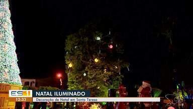 Santa Teresa tem decoração de Natal e encanta visitantes - Cidade está toda iluminada.