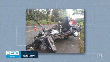 Uma pessoa morreu e quatro ficaram feridas em acidente na BR-101, altura de Jussari - Um carro que ia para um casamento bateu em um ônibus.