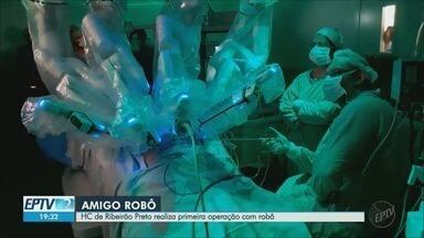 Hospital das Clínicas de Ribeirão Preto realiza primeira operação com a ajuda de robô - Equipamento é o mais moderno que existe e o único no interior de São Paulo.