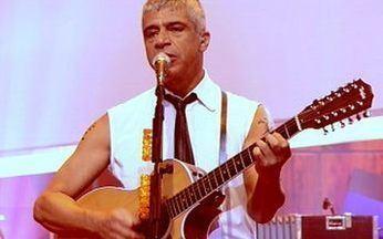 De Repente Califórnia - Lulu Santos - No Som Brasil em homenagem a Lulu Santos, a canção é interpretada por Lulu, Apoena Frota, Psirico e Marina de la Riva.
