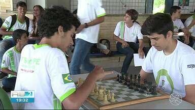Estudante de Floresta se destaca na Olímpiada Nacional de Matemática - Aluno também se destaca no xadrez.