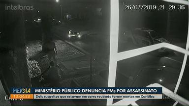 Ministério Público denuncia sete policiais do Paraná por assassinato - Conforme denúncia, eles participaram de perseguição a carro roubado, que terminou com morte de dois suspeitos.