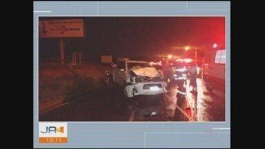 Três morrem em acidente na SC-445 em Içara - Três morrem em acidente na SC-445 em Içara