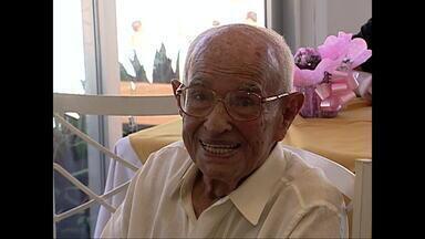 Morre, aos 106 anos, José Bornes Chaves - José Bornes Chaves foi um dos fundadores do Ministério da Aeronáutica, em janeiro de 1941. Na Segunda Guerra Mundial, ele foi escalado para uma missão brasileira nos Estados Unidos. Ele teve uma parada cardíaca.