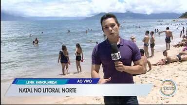 Turistas aproveitam a praia no litoral - Sol animou os turistas nesta terça.