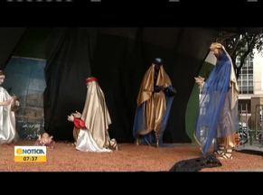 Famílias de Governador Valadares conservam tradição de Natal com a montagem do presépio - Uma das tradições mais antigas do natal para os cristãos, é a montagem do presépio, com a sena que representa o nascimento do menino Jesus.