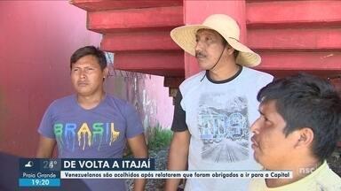 Venezuelanos retornam a Itajaí após terem sido encaminhados para Florianópolis - Venezuelanos retornam a Itajaí após terem sido encaminhados para Florianópolis por funcionários da cidade do Vale