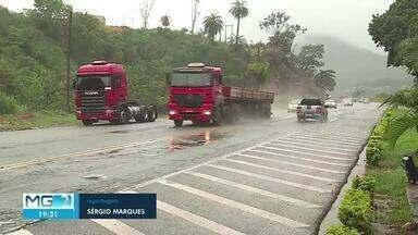 Com previsão de chuvas, motoristas precisam redobrar atenção - Estradas costumam ter mais movimento nessa época do ano.