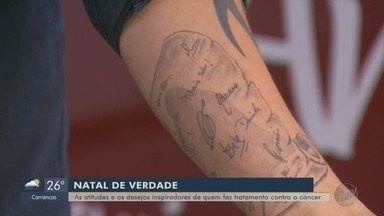 Após tratamento oncológico, paciente tatua assinatura de funcionários de hospital em MG - Após tratamento oncológico, paciente tatua assinatura de funcionários de hospital em MG