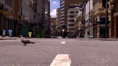 São Paulo fica irreconhecível num feriado como 25 de dezembro - Ruas desertas e sem trânsito.