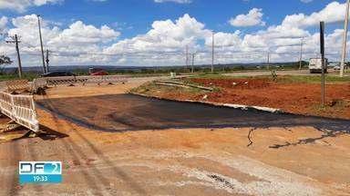 Erosão no Setor de Indústria de Ceilândia é tapado por Novacap - Trabalho de emergência feito em parceria com a Caesb indica que não houve danos nas redes de esgoto e da água da chuva.