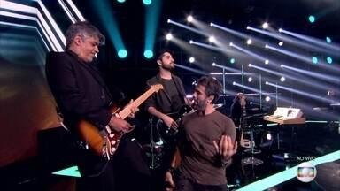 Eriberto Leão coloca todo mundo pra dançar ao som de 'Aluga-se' - Confira a apresentador do finalista no palco do 'PopStar'