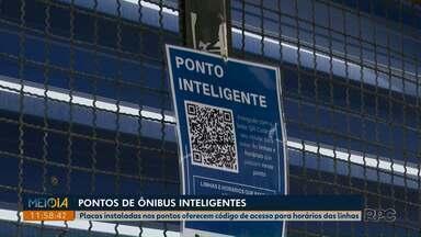 Placas instaladas nos pontos de ônibus oferecem código de acesso com horário das linhas - A mudança da Autarquia de Trânsito já foi instalada em 90 pontos em Ponta Grossa.