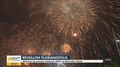 Milhares de pessoas celembram a chegada de 2020 em Florianópolis - Milhares de pessoas celembram a chegada de 2020 em Florianópolis