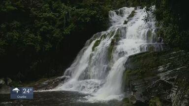 Três pessoas morrem em cabeça d'água em cachoeira de Guapé, MG - Namorado de uma das vítimas escapou e contou como tudo aconteceu