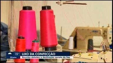 Reunião debate sobre a destinação de resíduos sólidos da indústria têxtil em Divinópolis - Retalhos de tecidos, cones de linhas, restos de aviamentos, plásticos e papéis são considerados sobras têxteis.