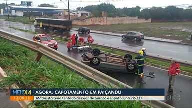 Carro capota em Paiçandu; motorista fica ferido - Motorista disse que perdeu o controle ao desviar de um buraco.