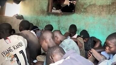 Missão África: episódio retrata a realidade do fenômeno talibé - Na reportagem, os brasileiros voluntários contaram porque deixam o país para ajudar a combater as diferenças sociais na África.