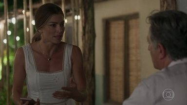 Paloma tenta acalmar Alice após tragédia com Jeniffer - Paloma comenta sobre a má fase