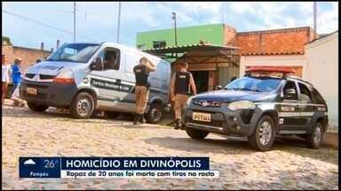 Jovem é morto a tiros dentro de salão de beleza em Divinópolis - Foi o primeiro homicídio registrado na cidade em 2020, segundo a PM.
