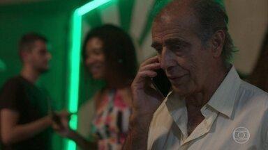 Peçanha liga para Diogo e diz que vai acabar com Paloma - Os dois combinam a data do crime